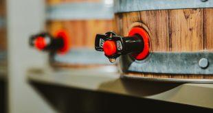 Drewniana beczka na piwo