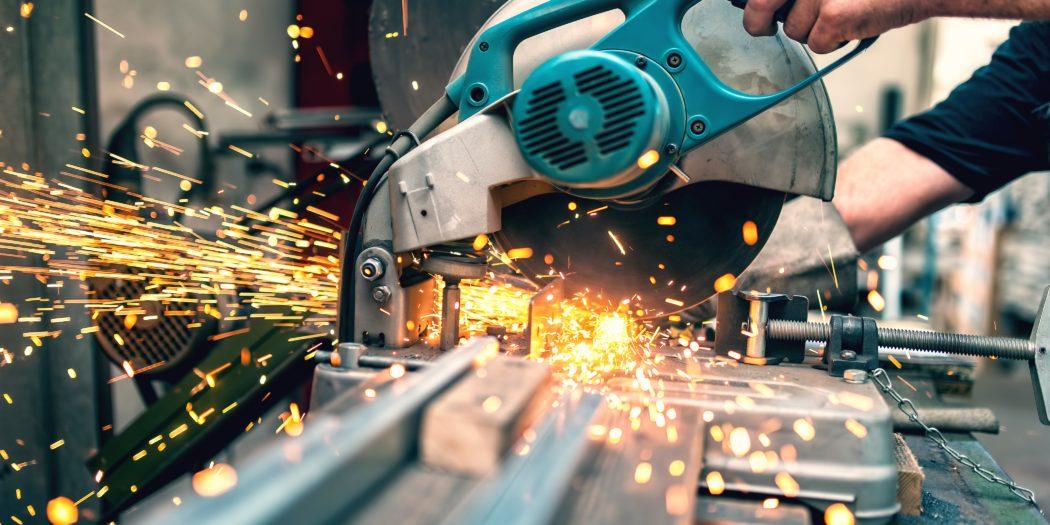 maszyna do cięcia metalu