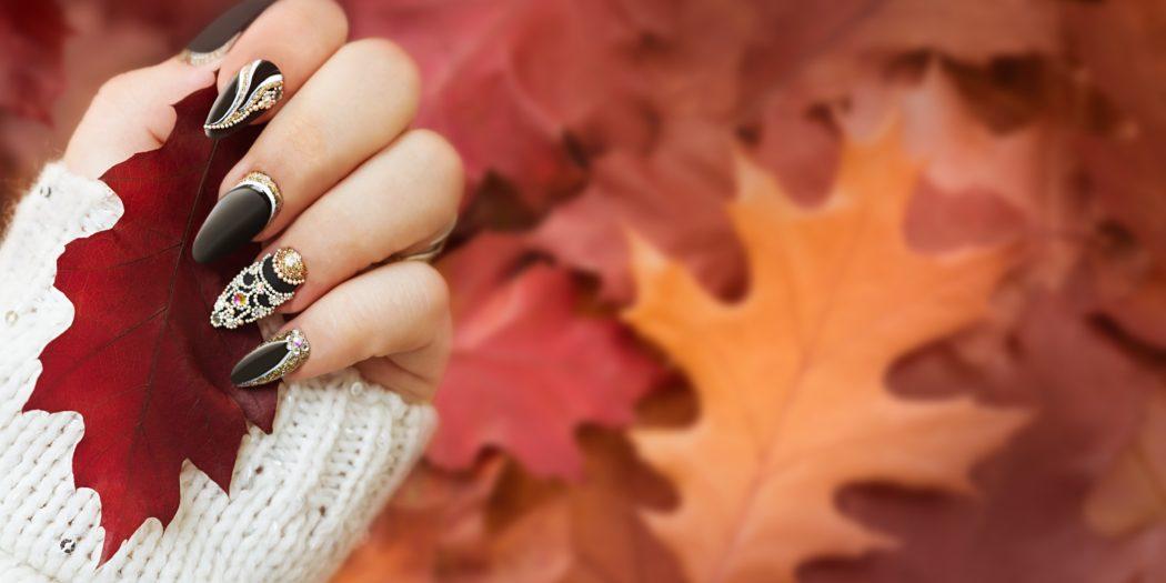 jesienne liście piękne paznokcie