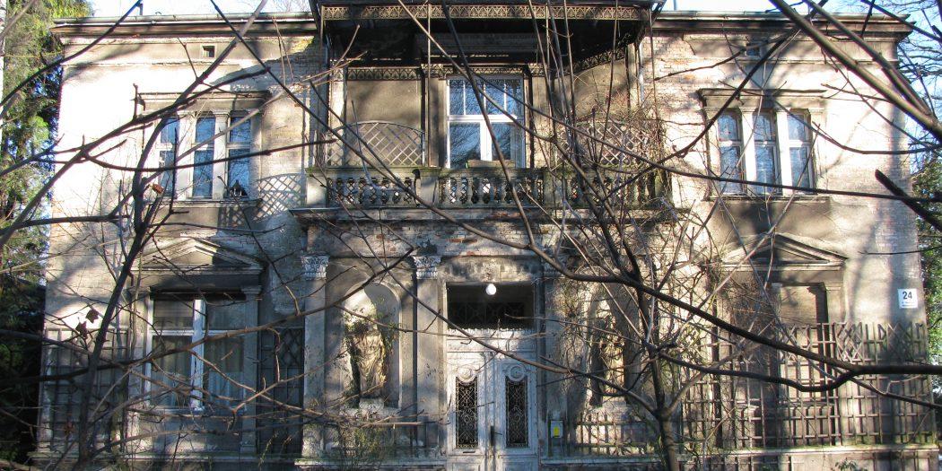 Willa Bergera - zabytkowa willa w Sopocie. Zlokalizowana jest przy ul. Obrońców Westerplatte.