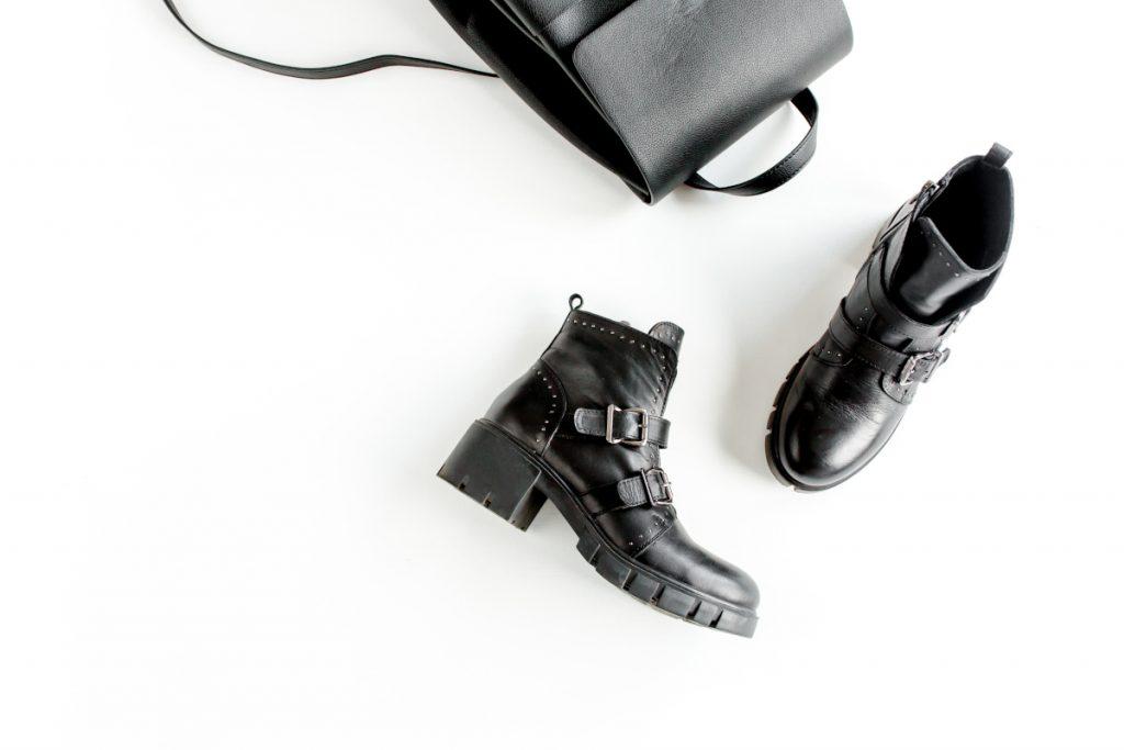 rockowe czarne botki