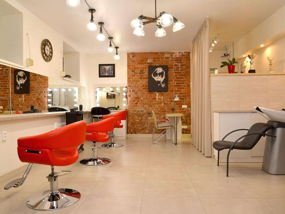 czerwone fotele fryzjerskie