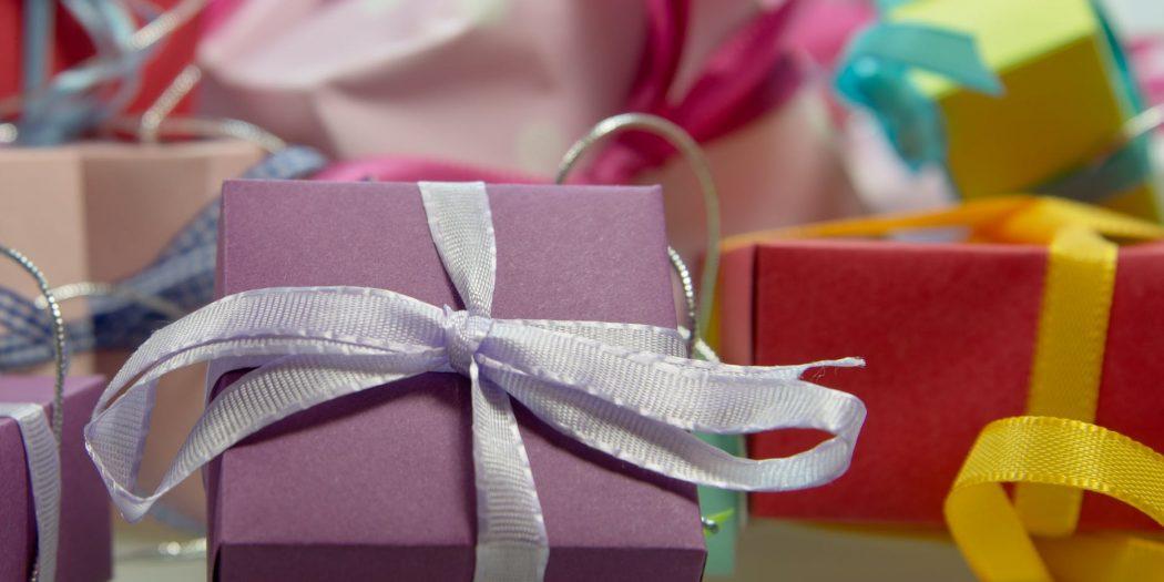 fioletowy prezent