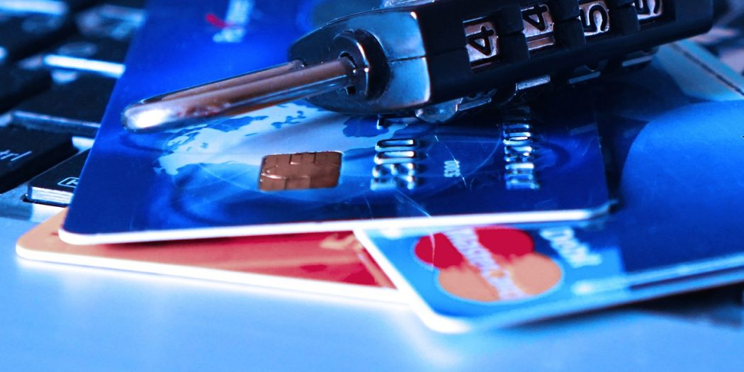kłódka karty kredytowe