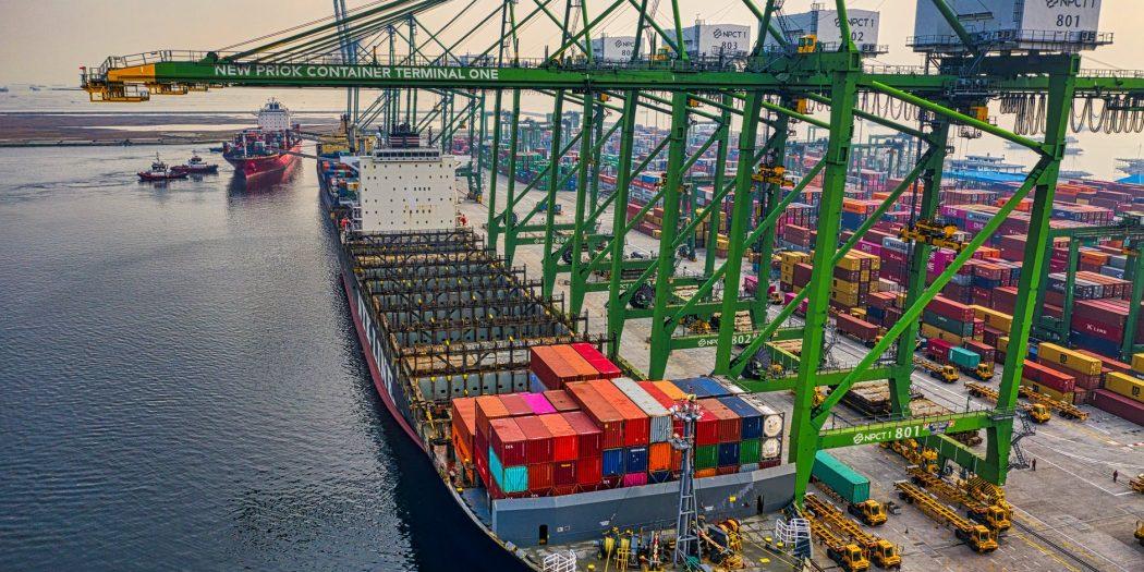 kontenery skład celny