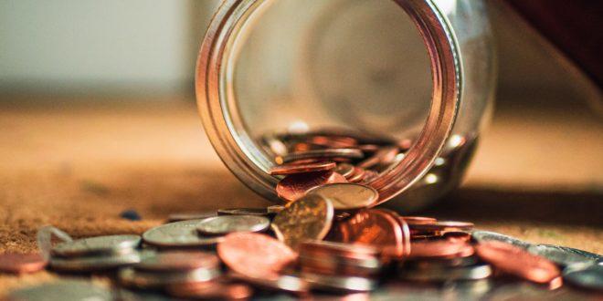 pieniądze monety zwrot podatku
