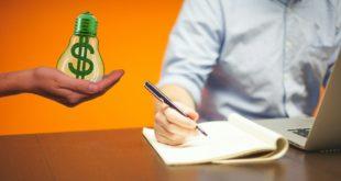 Podpisywanie dokumentów pożyczka
