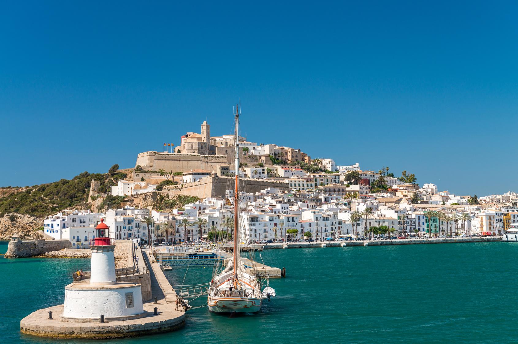 Ibiza imprezowa wyspa