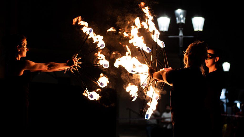 spektakl ogniowy