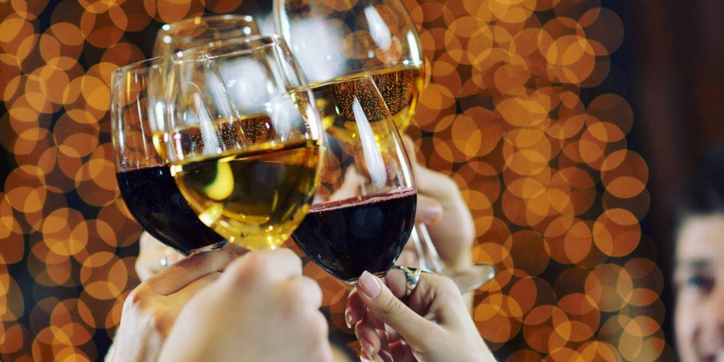 toast różnymi rodzajami wina