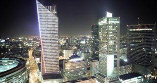 warszawskie biurowce nocą