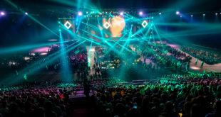 Światła i widownia podczas eventu
