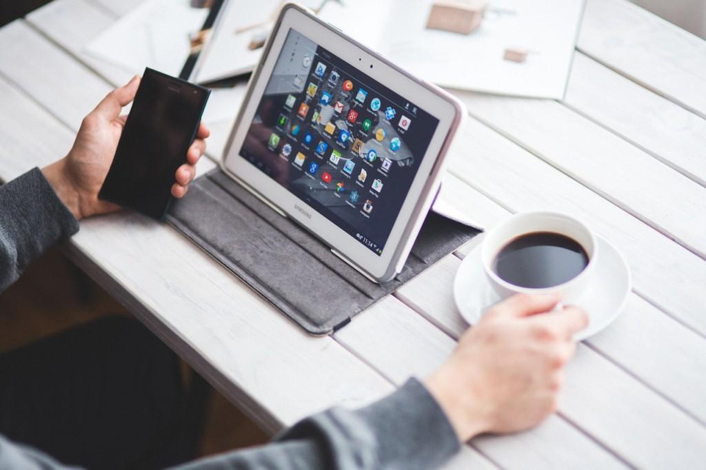 Duża ilość i różnorodność treści dostępnych w internecie sprawia, że odbiorcy chcą otrzymywać wiedzę lub rozrywkę w jak najbardziej skondensowanej formie  | fot.: materiał partnera zewnętrznego