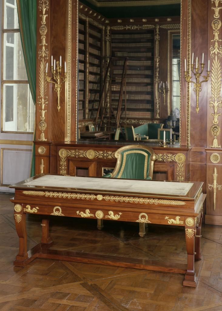 François-Honoré-Georges Jacob-Desmalter Biurko mechaniczne 1808 mahoń brąz złocony aksamit Compiègne Musée national du palais