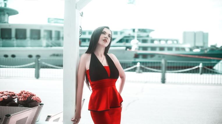 Kolor czerwony - modny jesienią