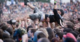 Fan muzyki na festiwalu