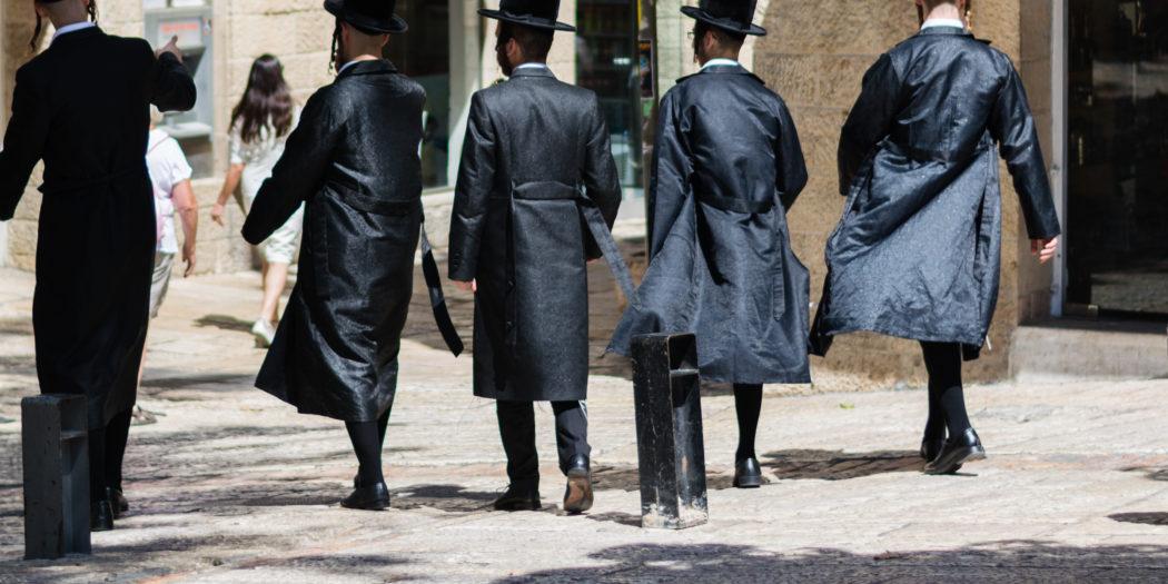 Chasydzi na ulicach Jerozolimy