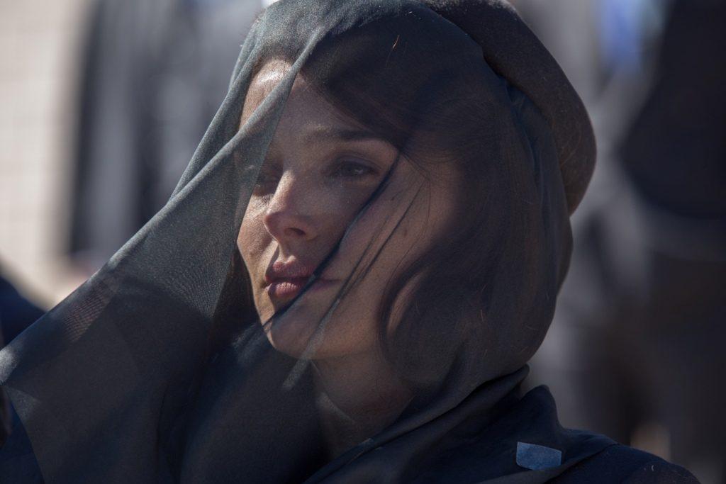 Natalie Portman jako Jackie