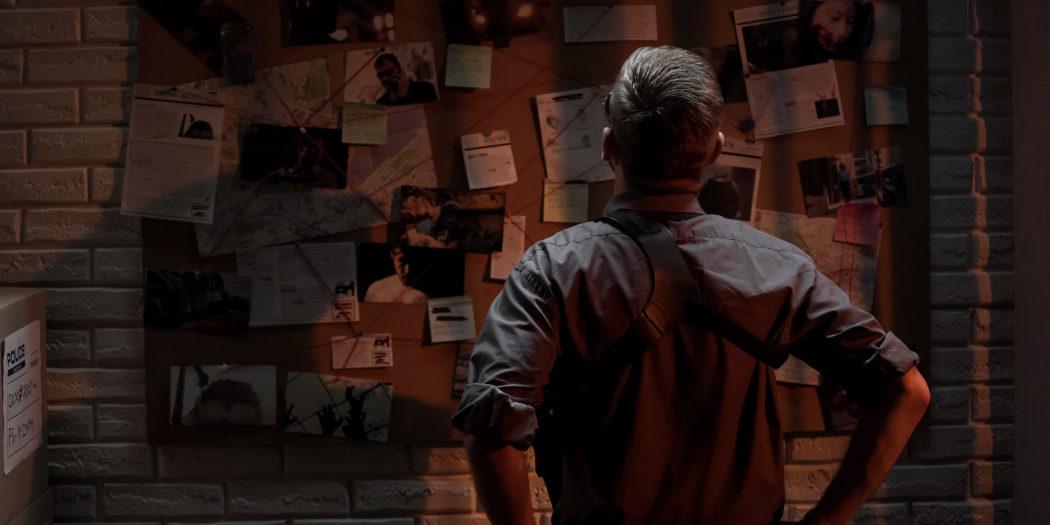 detektyw rozwiązujący zagadkę seryjnego mordercy