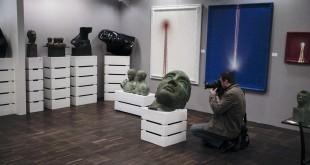 Nowych właścicieli znalazły 3 rzeźby Igora Mitoraja