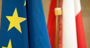 Polska - Unia Europejska - flagi