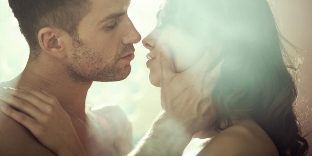 Bliskość fizyczna spaja i umacnia związek