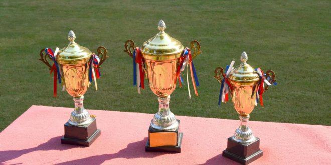 Trzy puchary w zawodach piłki nożnej