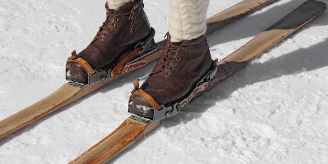 Mężczyzna na nartach