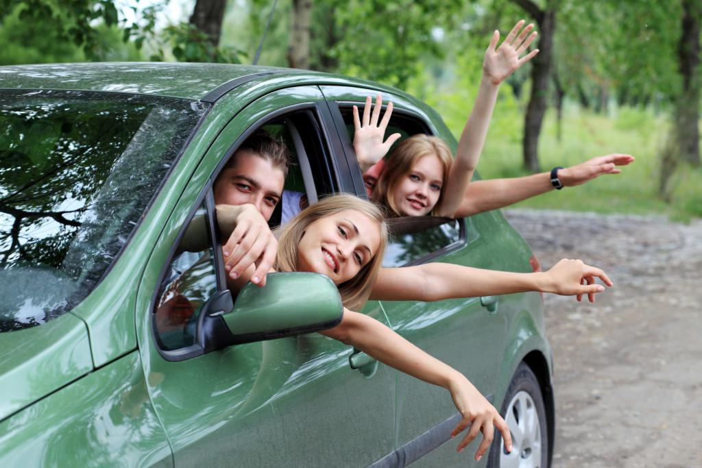 Komfortowe wakacje dzięki wynajętemu autu