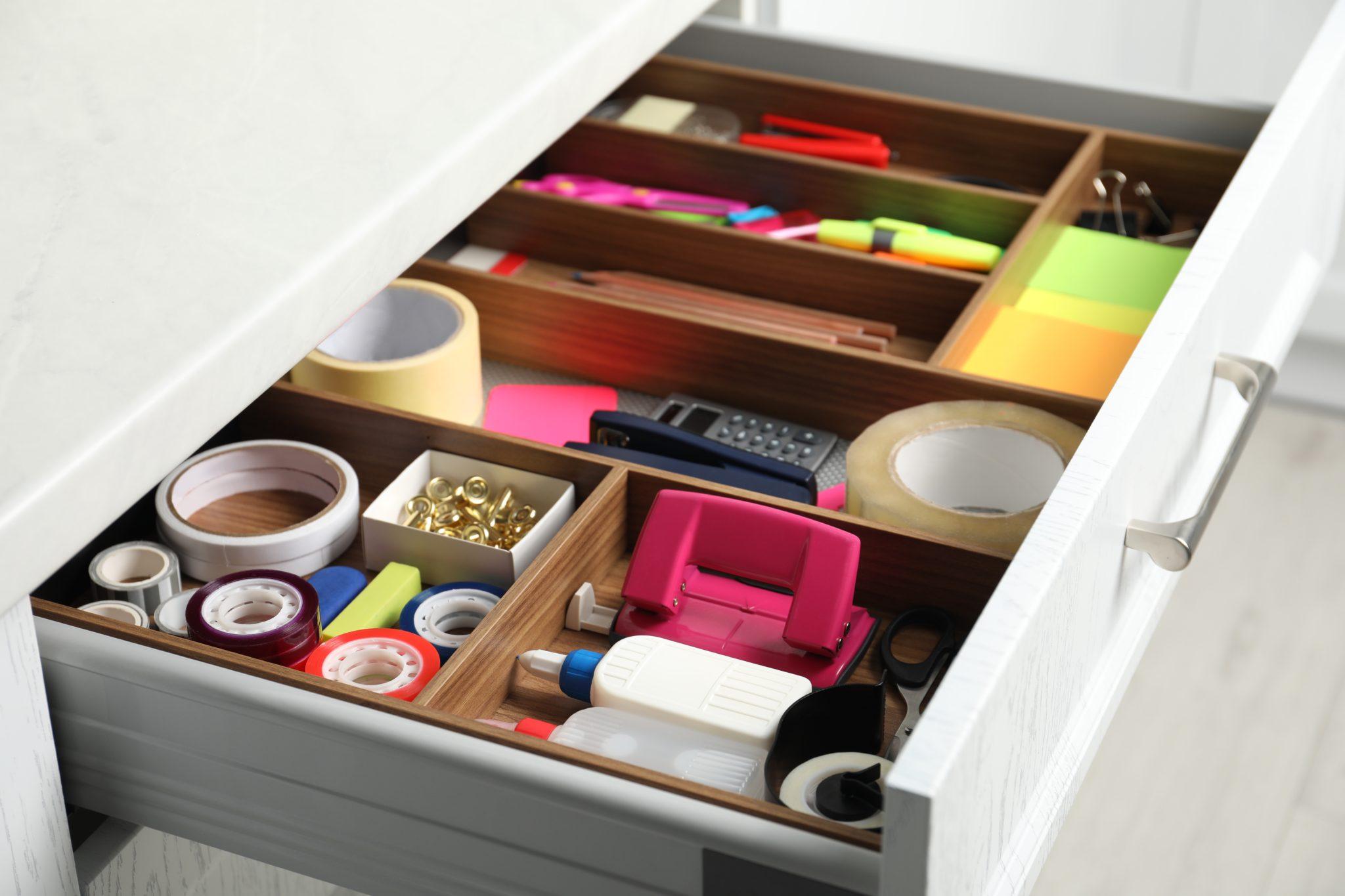 szuflada na akcesoria biurowe
