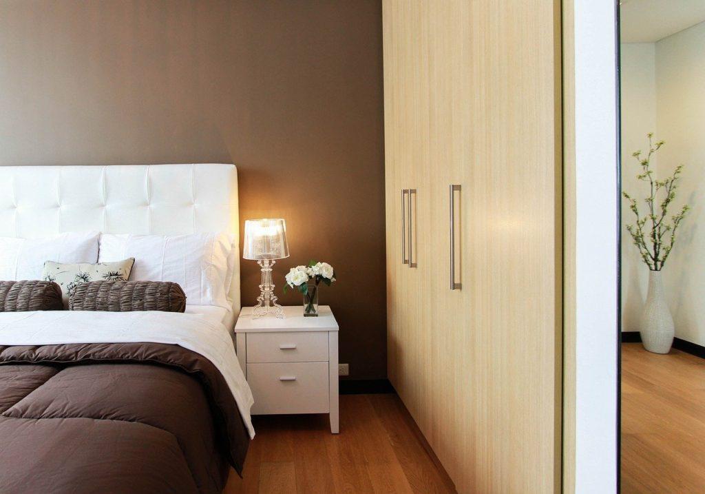 sypialnia lampa