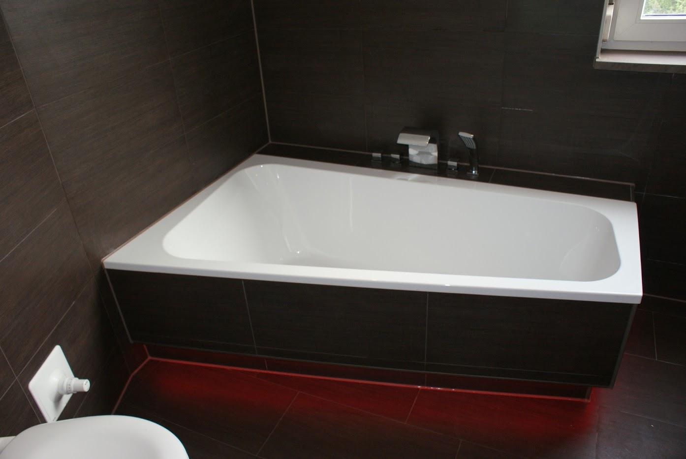 Wanna w małej łazience