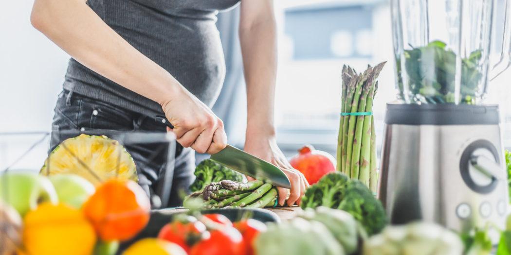 kobieta w ciąży owoce warzywa