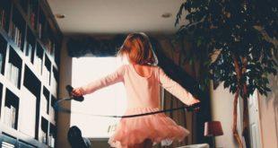 Dziewczynka w sukience