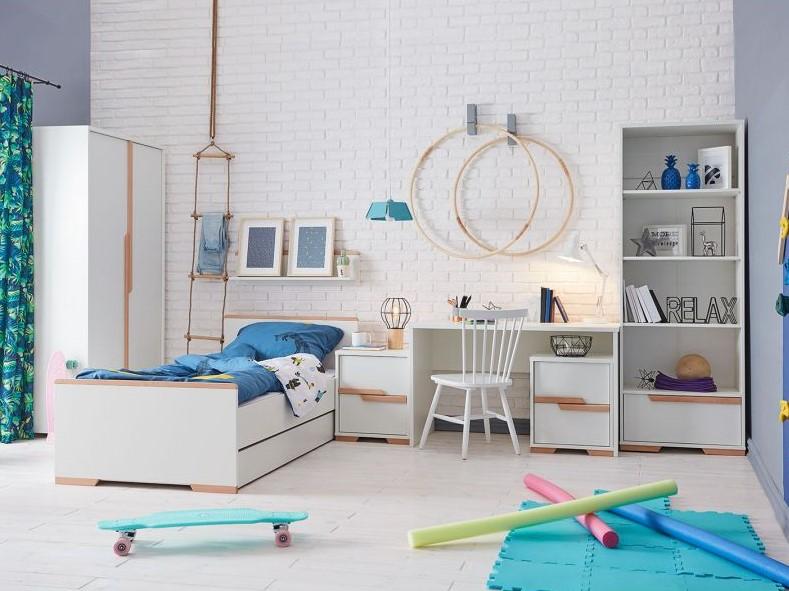łóżko snap w pokoju dziecięcym z biurkiem