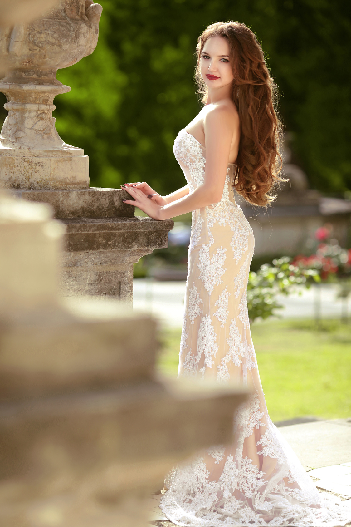Obcisła suknia ślubna