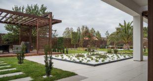 Piękny ogród z altaną