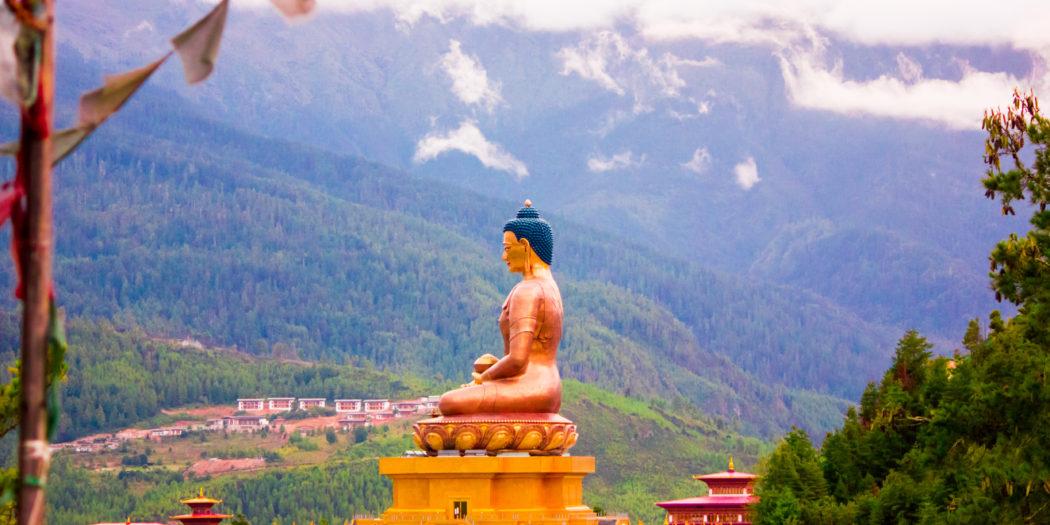 Bhutan Thimphu posąg buddy
