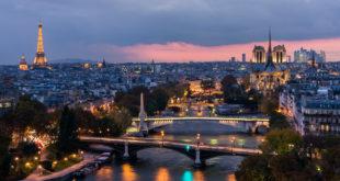 Paryż po zachodzie słońca
