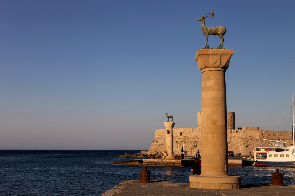 Wejście do portu w Rodos | fot.: Fotolia