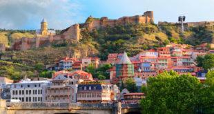 Tibilisi - Stare Miasto z zamkiem Narikala