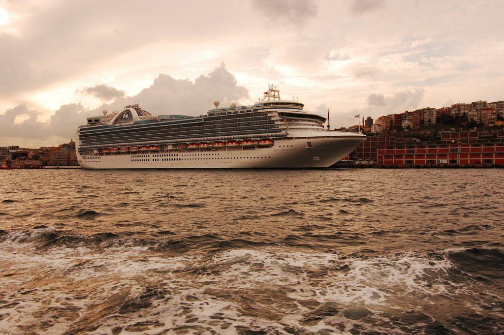 Moda na wojaże statkami wycieczkowymi sięga zenitu