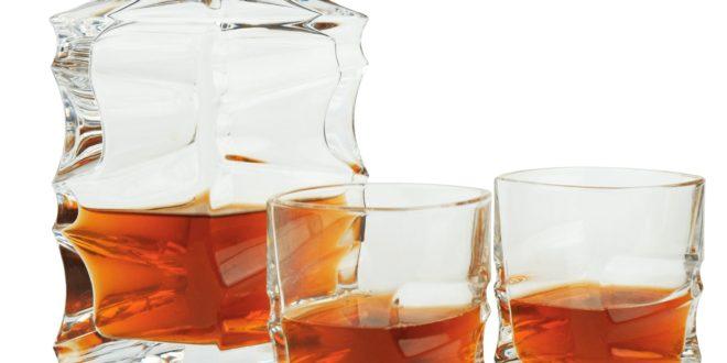 Karafka i szklanki do whisky