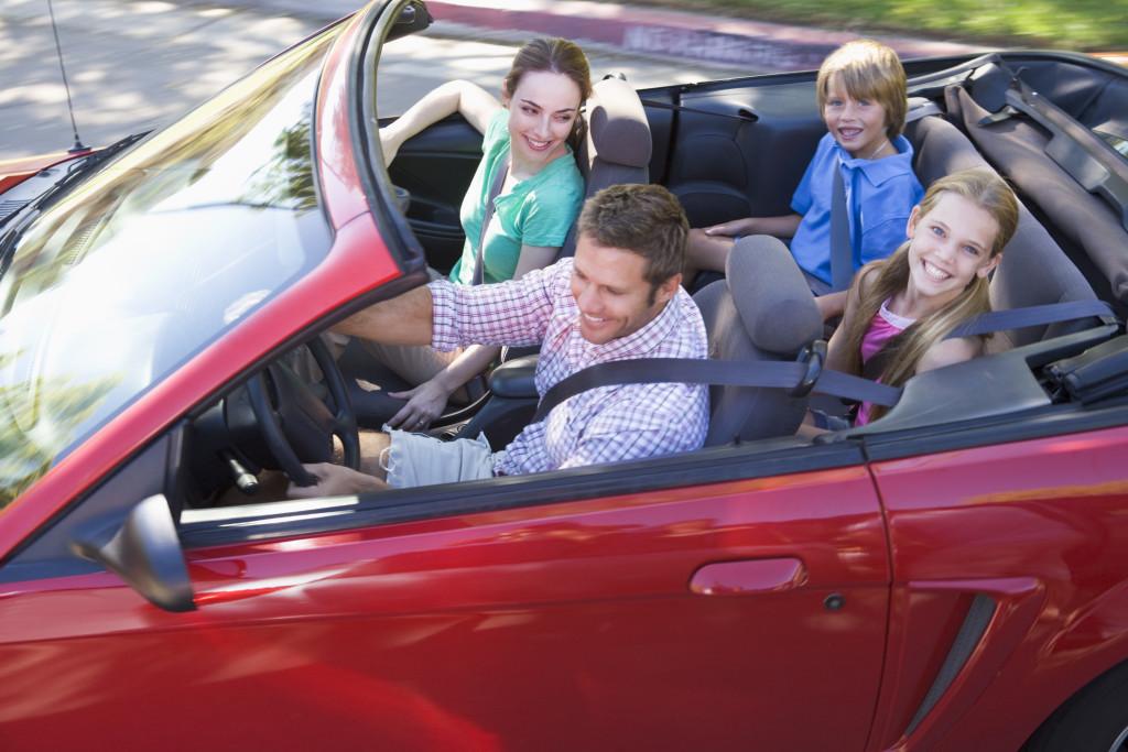 Auto z wypożyczalni idealne na rodzinne przejażdżki