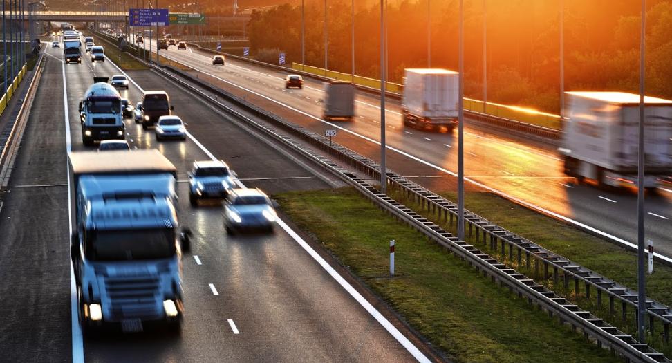 Samochody na autostradzie