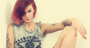 Dziewczyna z tatuażem