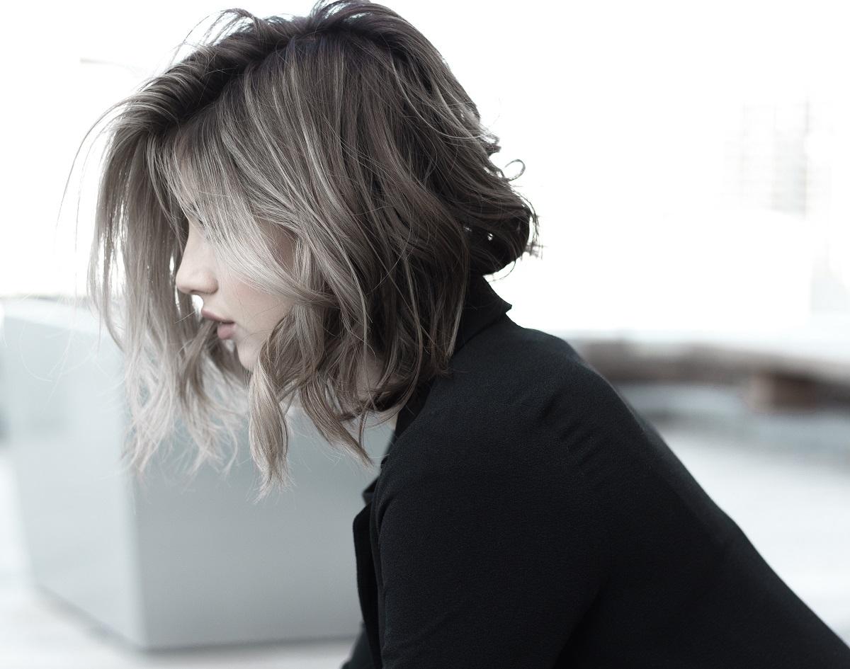 Średnie włosy