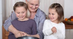 Babcia z wnuczkami